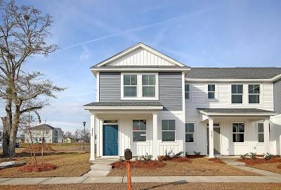 Berkeley County, Charleston County, Colleton County, Dorchester County Attached For Sale: 3923 Four Poles Park Drive