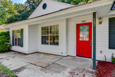 Ladson Single Family Home For Sale: 142 Robert Drive