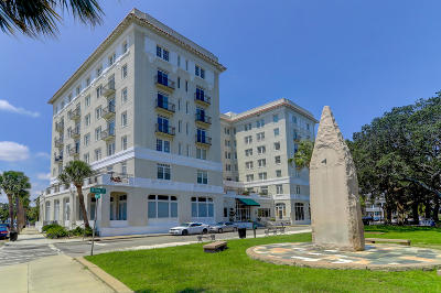 Attached For Sale: 1 King Street #501