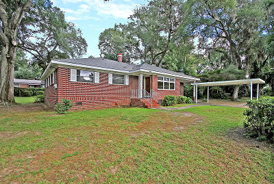 Single Family Home For Sale: 4640 Apple St
