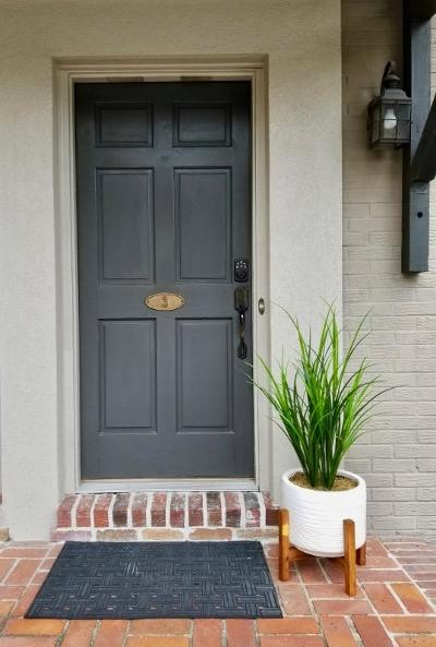 Charleston SC Attached For Sale: $220,000