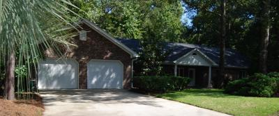 Summerville Single Family Home Contingent: 230 Glen Forest Court