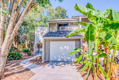 Charleston Attached For Sale: 14 Palomino Court