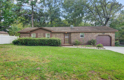Goose Creek Single Family Home For Sale: 13 Burnt Mills Road