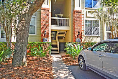 Charleston County Attached Contingent: 1600 Long Grove Drive #1424