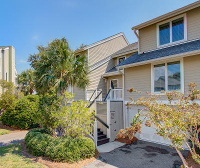 Isle Of Palms Attached For Sale: 7 Linkside Court