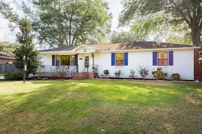 Farmington Single Family Home For Sale: 1050 Valley Road