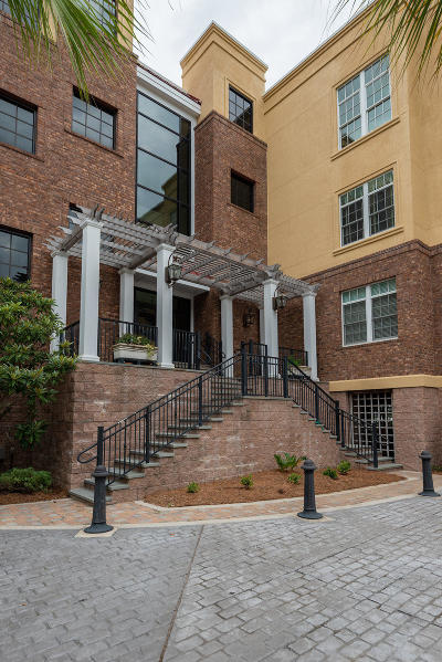 Berkeley County, Charleston County Attached For Sale: 134 Fairbanks Oak Alley #402