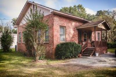 North Charleston Single Family Home For Sale: 5884 Bramble Avenue