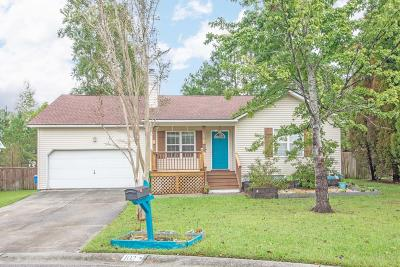 Goose Creek Single Family Home For Sale: 102 Dartmouth Court