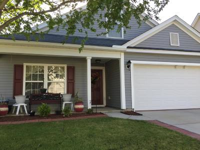 Goose Creek Single Family Home For Sale: 231 Maypop Drive