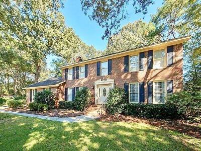 Charleston, Mount Pleasant, North Charleston, Summerville, Goose Creek, Moncks Corner Single Family Home For Sale: 107 Abbey Lane