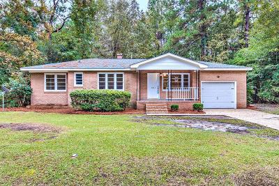 Single Family Home For Sale: 2611 N Oakridge Cir