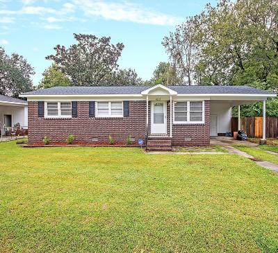 Goose Creek Single Family Home For Sale: 423 Jean Wells Drive