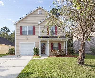 Goose Creek Single Family Home For Sale: 2007 Bearclaw Drive