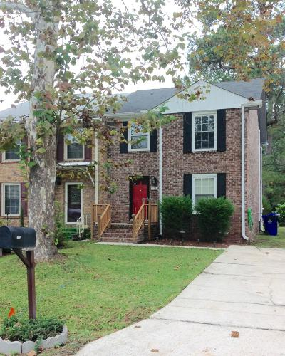 Attached For Sale: 1752 Skinner Avenue