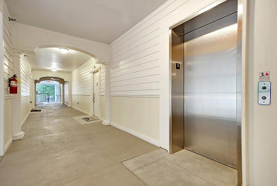 Charleston SC Attached For Sale: $210,000
