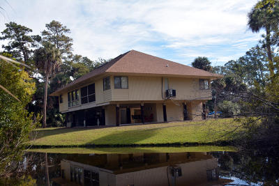 Edisto Island SC Attached Contingent: $199,900
