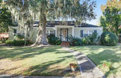 Charleston Single Family Home For Sale: 28 Moore Drive