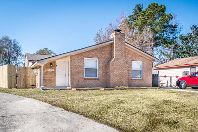 Goose Creek Single Family Home For Sale: 109 Briarwood Circle