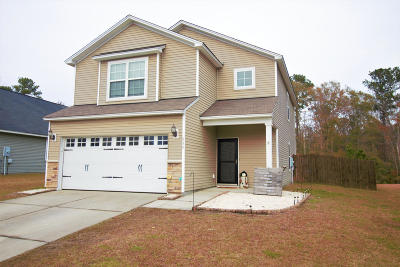 Goose Creek Single Family Home For Sale: 330 Clayburne Drive