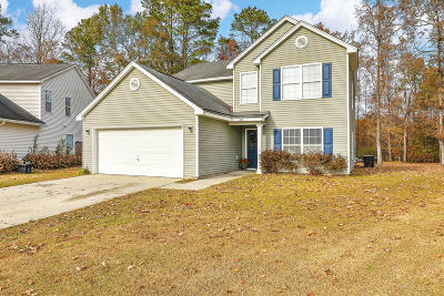 Goose Creek Single Family Home For Sale: 108 Ravel Court