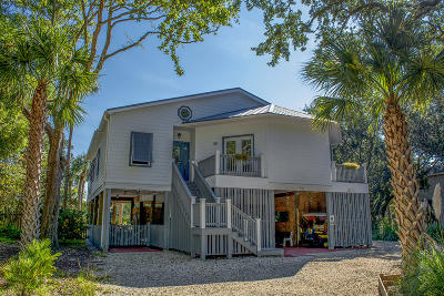 Single Family Home For Sale: 521 Dolphin Street