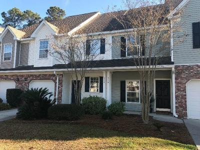 Grand Oaks Plantation Attached For Sale: 174 Dorothy Drive