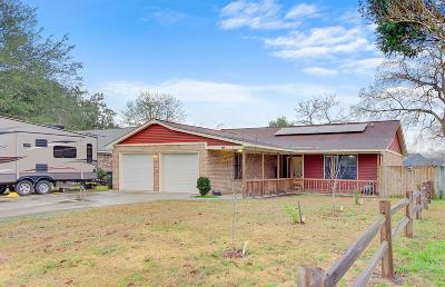 Goose Creek Single Family Home Contingent: 114 Evergreen Magnolia Avenue