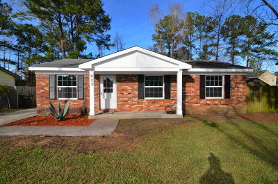 Goose Creek Single Family Home Contingent: 411 Robin Drive