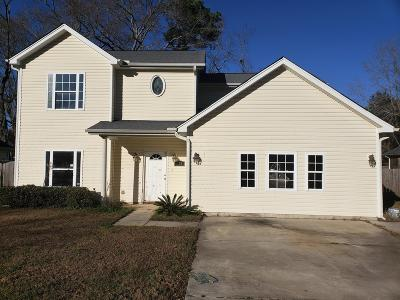 Single Family Home For Sale: 114 Lucy Drive