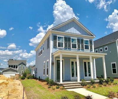 Single Family Home For Sale: 320 Bright Leaf Loop