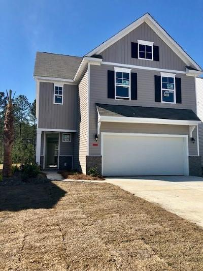 Summerville Single Family Home For Sale: 147 Greenwich Drive