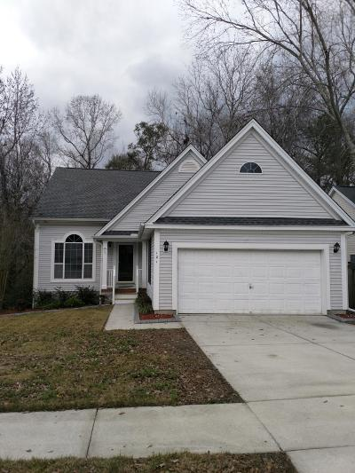 Goose Creek Single Family Home For Sale: 121 Stonehurst Drive