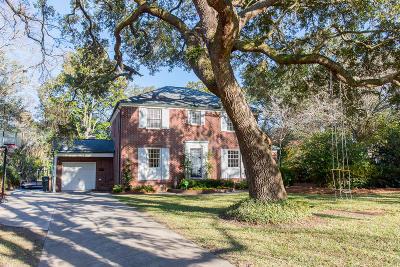 Charleston Single Family Home For Sale: 24 Jamestown Road