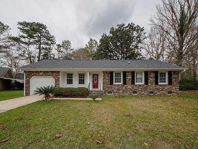 Summerville Single Family Home For Sale: 108 Alan Court