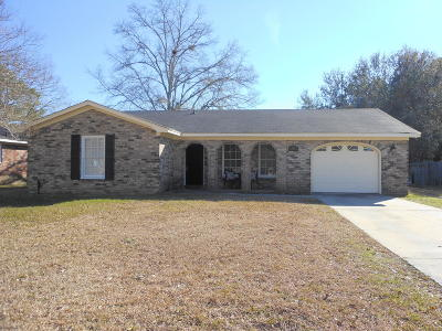 Goose Creek Single Family Home For Sale: 123 Kennington Drive