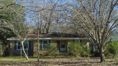 Summerville Single Family Home Contingent: 304 Brailsford Boulevard