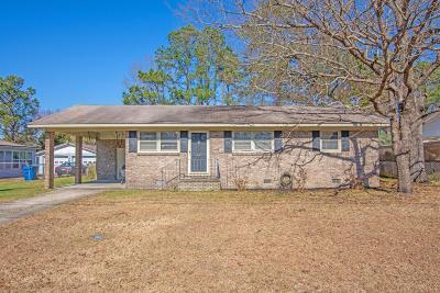 Goose Creek Single Family Home For Sale: 26 Newark Avenue