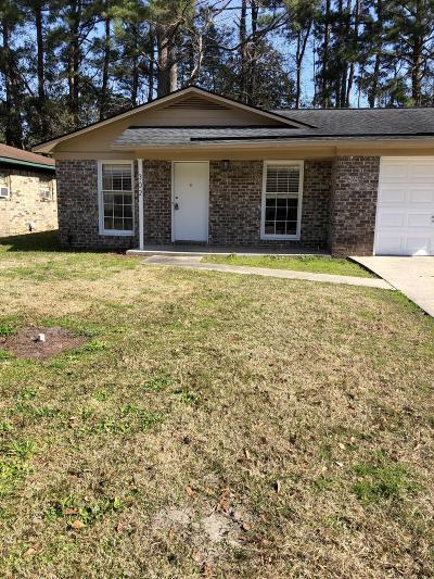 Single Family Home Contingent: 302 Elliott Drive