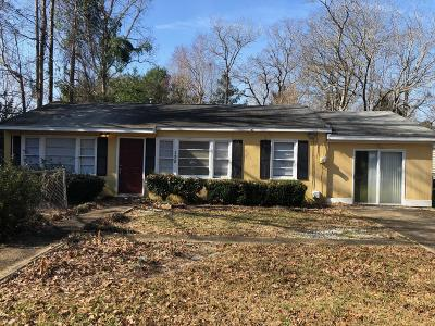 Goose Creek Single Family Home For Sale: 138 Giles Drive