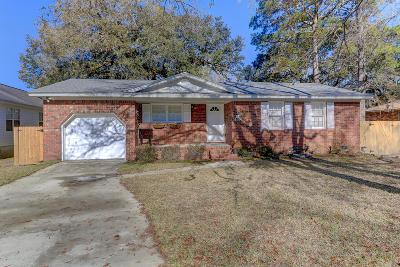 Charleston Single Family Home For Sale: 1760 Dogwood Road