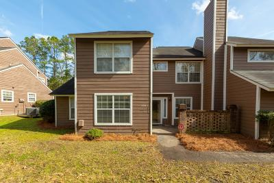 Attached Contingent: 126 Luden Drive #C