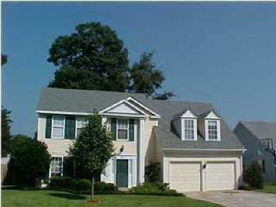 Goose Creek Single Family Home For Sale: 207 Blenheim Court