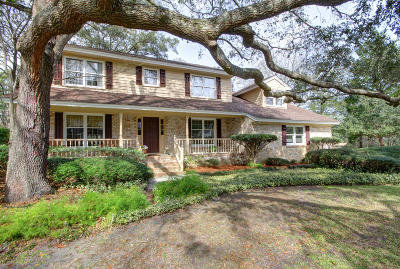 Charleston Single Family Home For Sale: 15 Brigadier Drive