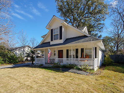 Charleston Single Family Home For Sale: 710 Ponderosa Drive