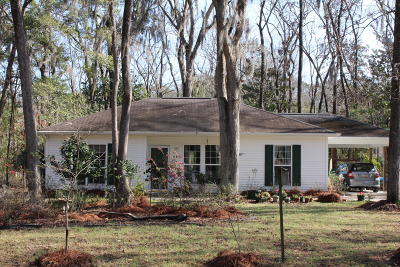 Edisto Island Single Family Home Contingent: 882 Claussen House Drive