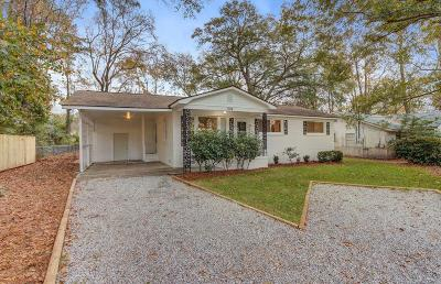Single Family Home Contingent: 1104 Crull Drive