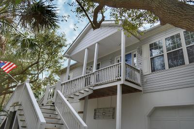 Folly Beach Single Family Home For Sale: 219 W Indian Avenue