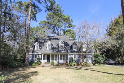 Mount Pleasant Single Family Home Contingent: 725 Hawksbill Court